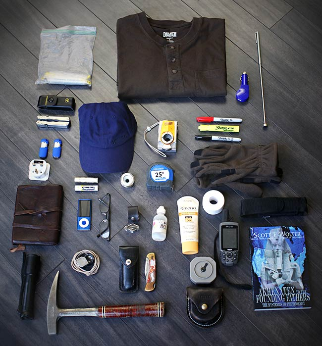 America Unearthed Scott-Wolter Bulldozer Backpack Contents