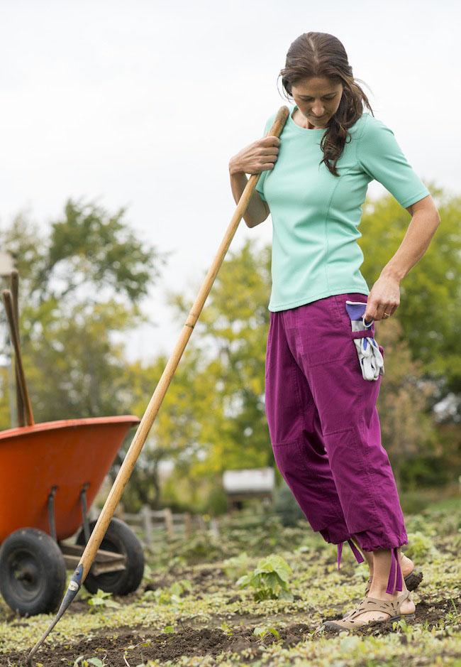 Gardening Clothes: Heirloom Garden Capris #73715 - No Sweat Longtail T Waffle Scoopneck Shirt #73526