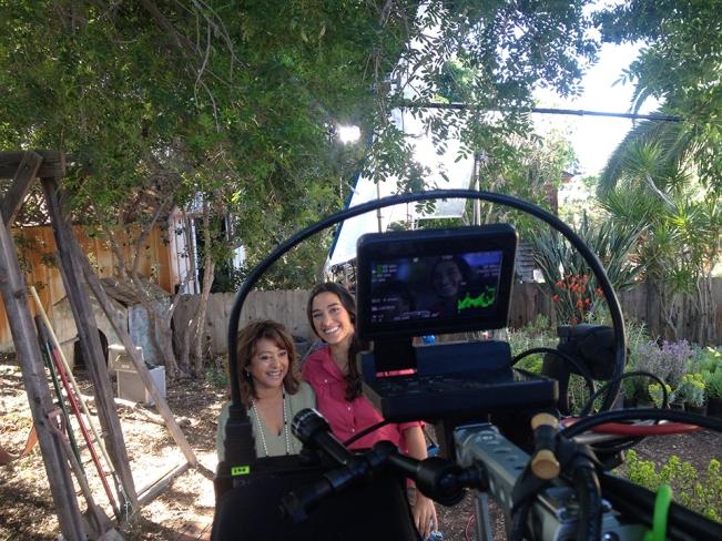 "Sara Bendrick Hosts DIY Network's ""I Hate My Yard"" #DIYCourage"